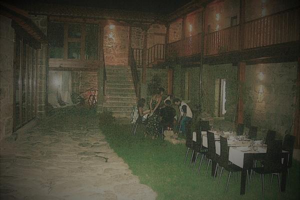 patio-noche4E6A5178-3A1E-4AA7-47A1-FC1E1F11466E.jpg